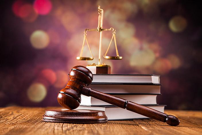 Адвокат в Праге. Представление интересов клиентов. Законы Чехии